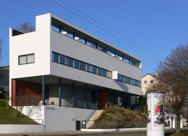 La casa de Le Corbusier construida para la exposición Weissenhofsiedlung en Stuttgart es un perfecto ejemplo de sus «Cinco puntos de una nueva arquitectura».