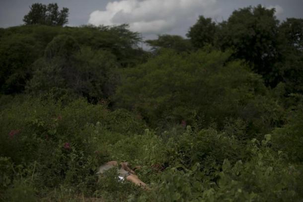 Violencia callejera en Mexico 04 cuerpo bosque