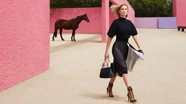 Lea Seydoux en la Casa Luis Barragán. Louis Vuitton