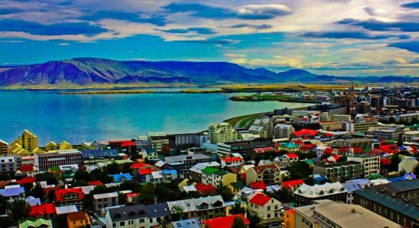 En la imagen: la ciudad de Reikiavik. Hogar de la cantante Björk.