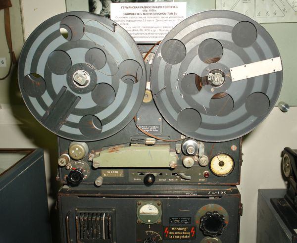 Magnetófono alemán de AEG de 1942 (Fotografía de George Shuklin)