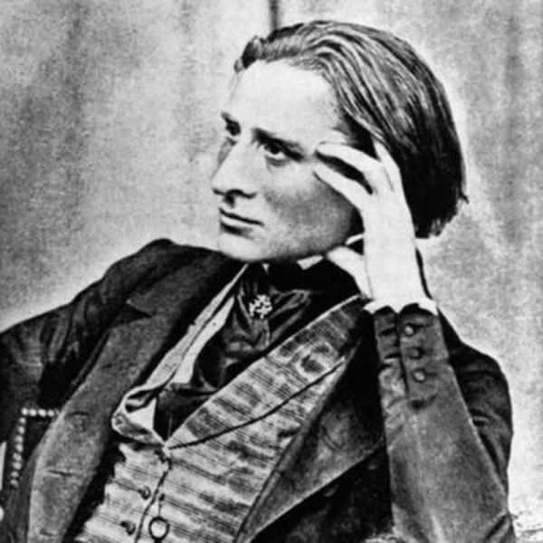 Franz Liszt, siendo perseguido por multitudes de mujeres antes de que fuera cool.
