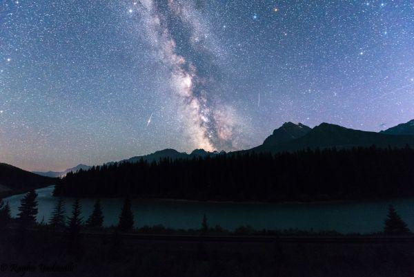 Raghu Yadavalli. La Vía Láctea desde Banff National Park, Alberta, captada en septiembre