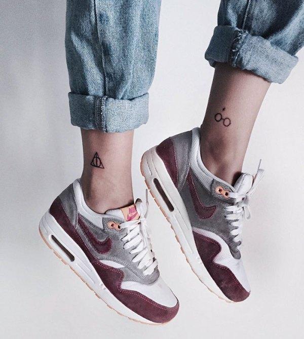 subtle-minimalist-harry-potter-tattoos-21-58528cae529f8__700