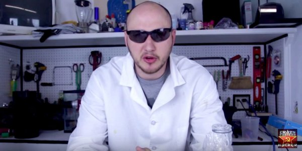 this-guy-quit-his-job-at-walmart-after-his-crazy-life-hacks-went-massively-viral-on-youtube