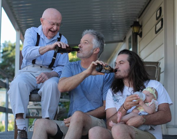 family-portrait-different-generations-in-one-photo-32-5863c76c671b9__605