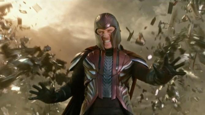 Así es como Magneto pasa de no poder girar una simple antena a controlar la puta rotación de la tierra.