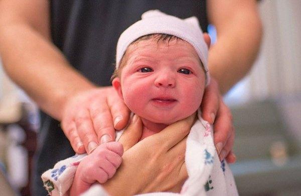 mother-photographs-her-child-birth-labour-lisa-robinson-1 (4)