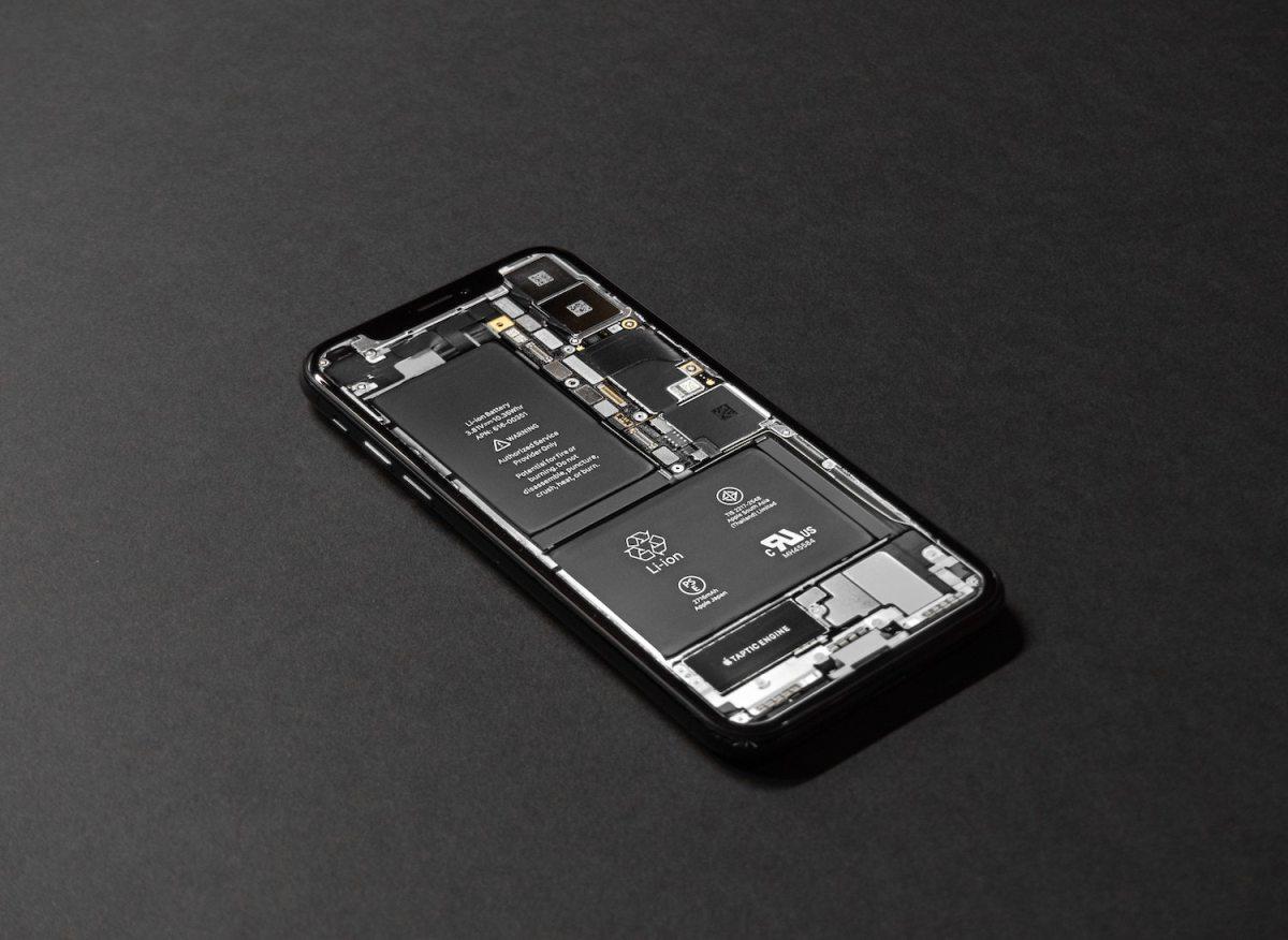 Piezas internas en un iPhone