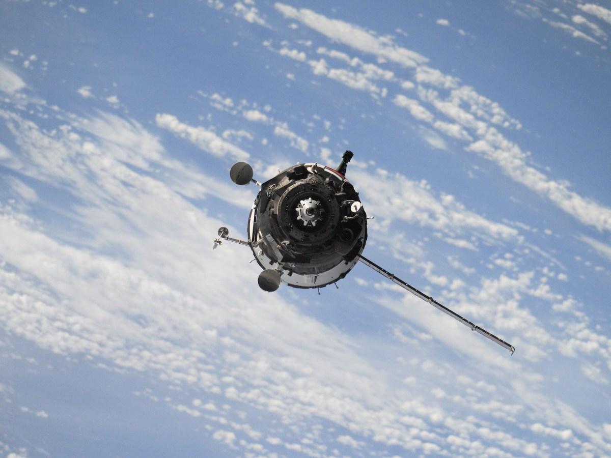 Satélites y el problema de la basura espacial