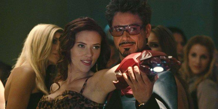 Tony Stark Viuda Negra Marvel