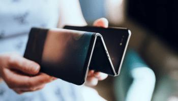 Concepto de smartphone plegable de TCL