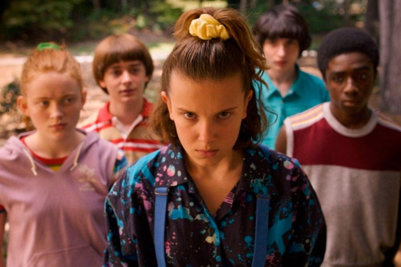 stranger things et el extraterrestre easter eggs