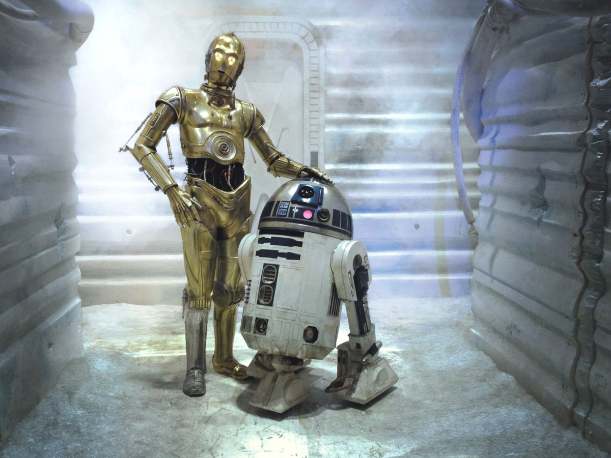 Star Wars the mandalorian 2x08 the rescue c-3po