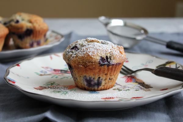 Lemon Blueberry Muffins_closeup   HipFoodieMom.com
