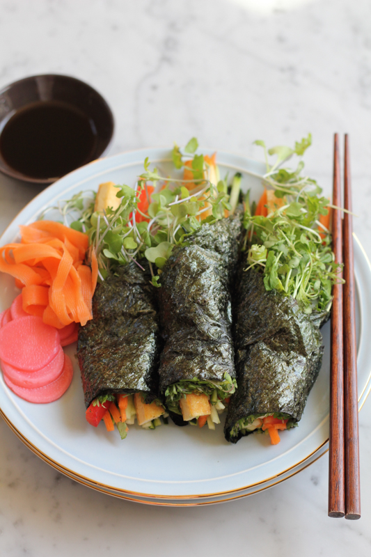 Vegan, low-carb, light and fresh, give these Avocado Tofu Veggie Hand Rolls a try! They are delicious and EASY to make! #handrolls #vegan #lowcarb @hipfoodiemom1