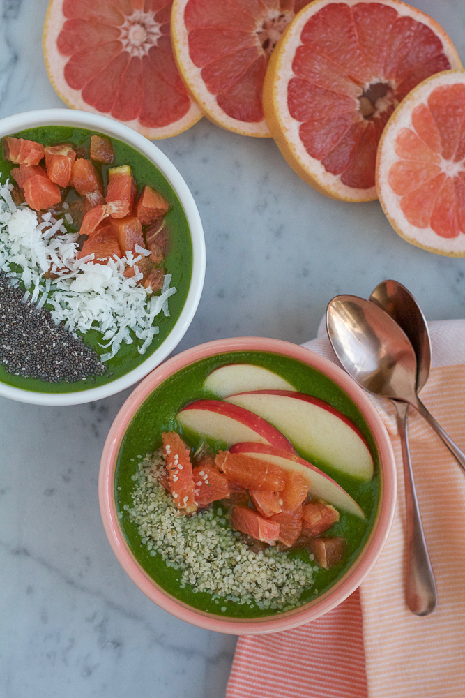 Energizing Winter Smoothie Bowls! Packed with spinach, kale, almond butter, oranges and grapefruit, this is just the way you want to start your morning!