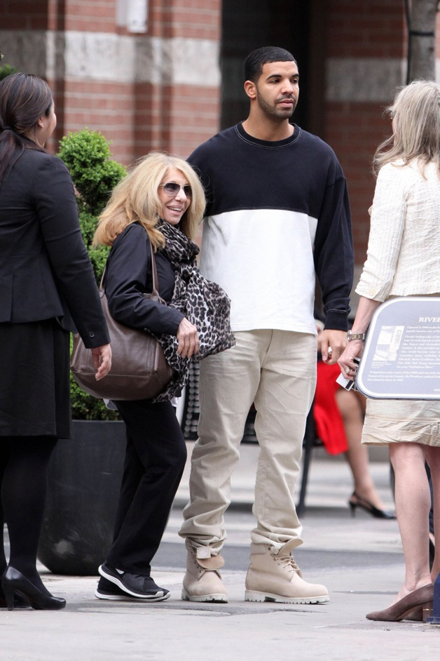 **EXCLUSIVE** MAMA'S BOY! Drake spends some quality time with his mom Sandi, before riding off in a bright orange Bugatti Veyron in Toronto