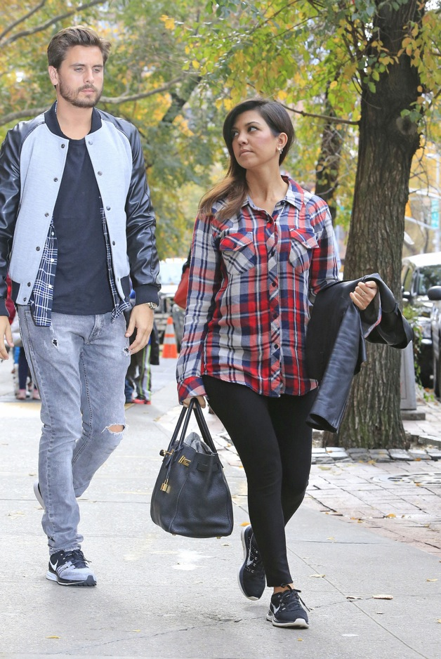 Kourtney Kardashian and Scott Disick head out of Bar Pitti after enjoying lunch together in New York City