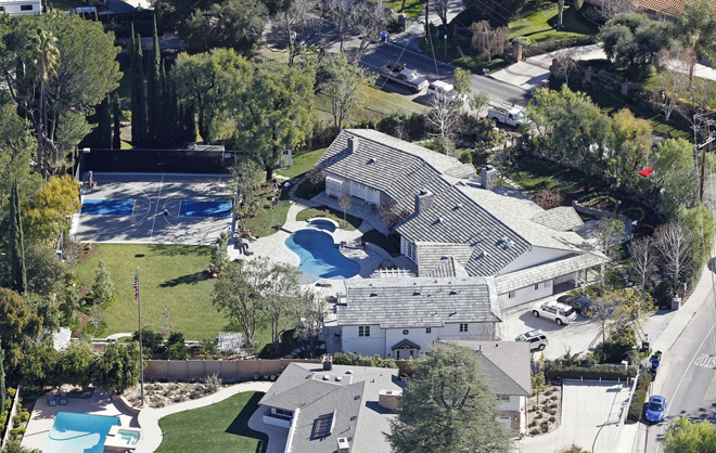 Iggy Azalea and Nick Young splashed out $3.45 million for Selena Gomez's former house in Tarzana