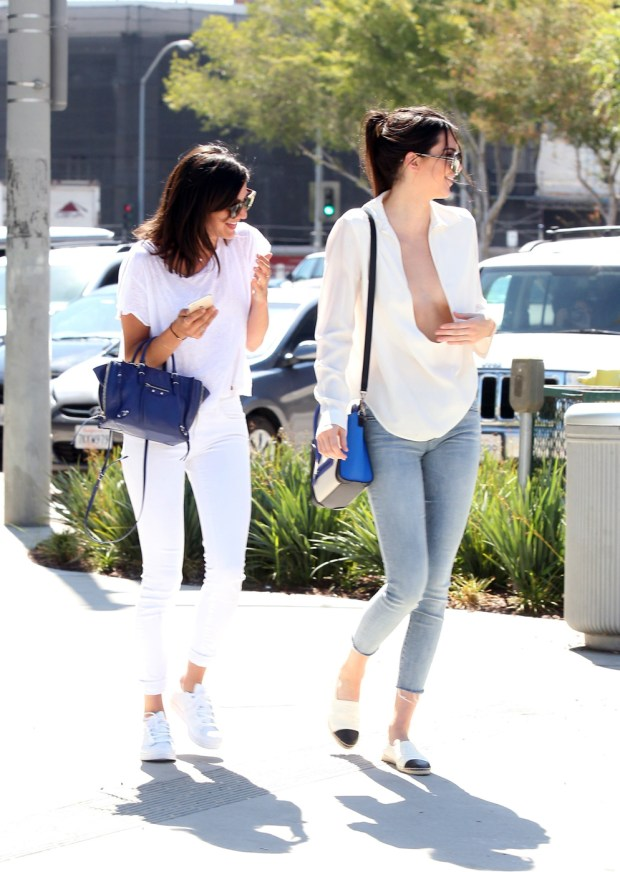 140114, Kendall Jenner seen out and about in Los Angeles. Los Angeles, California - Tuesday, July 14, 2015. Photograph: © Survivor, PacificCoastNews. Los Angeles Office: +1 310.822.0419 sales@pacificcoastnews.com FEE MUST BE AGREED PRIOR TO USAGE