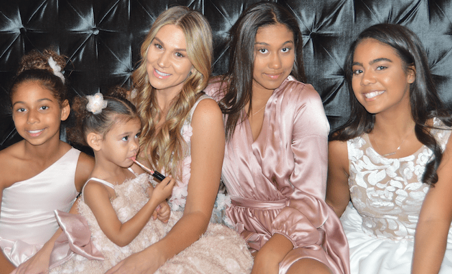 Lindsay Faulk and her 4 Daughters (Farrah, Presley, Brooklyn & Gia)