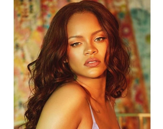 Rihanna's New Album Reportedly Releasing in December; Drake in November-