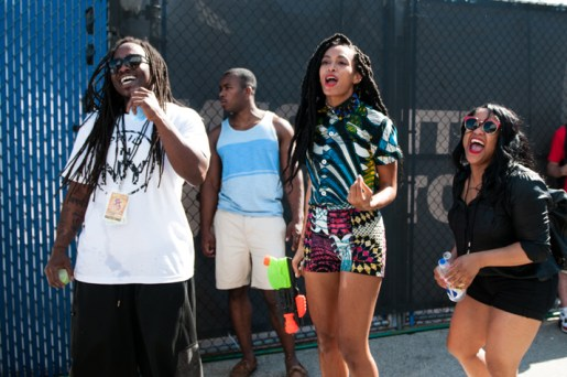 solange-knowles-the-roots-picnic-philadelphia-boxing-kitten-oxford-top-sprin-2013-printed-shorts-1