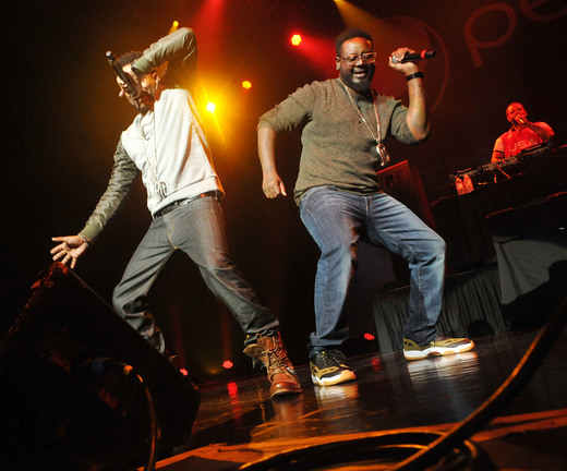 T-Pain performing 2
