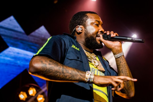 meek-mill-shares-snippet-of-his-upcoming-song-blue-notes-2
