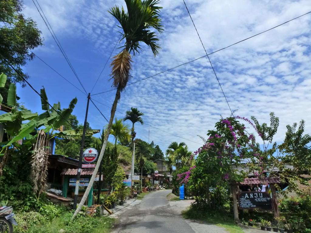 Tuk-tuk-in-Lake-Toba-Sumatra