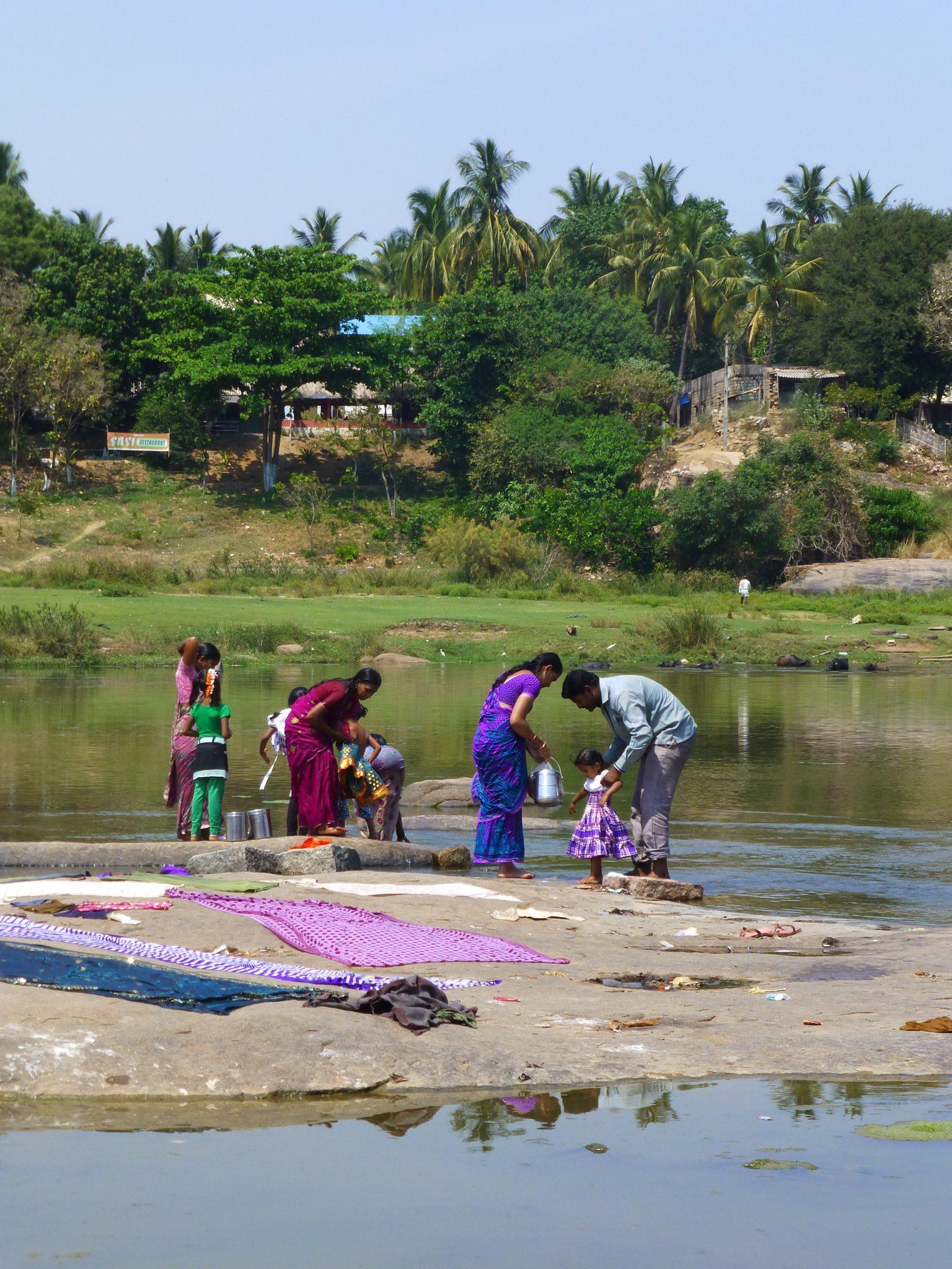Wassen rivier Hampi India