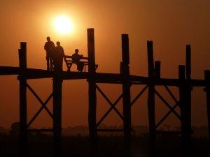 Teakhouten U Bein Bridge bij Mandalay Myanmar