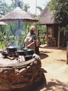 Eten bij de lokale bevolking Afrika