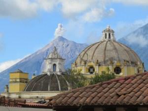 Uitbarsting Volcan El Fuego Antigua Guatemala