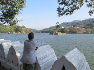 Wandelen om Kandy Lake Sri Lanka