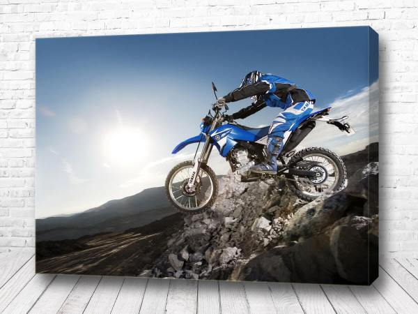Постер По скалам на мотоцикле