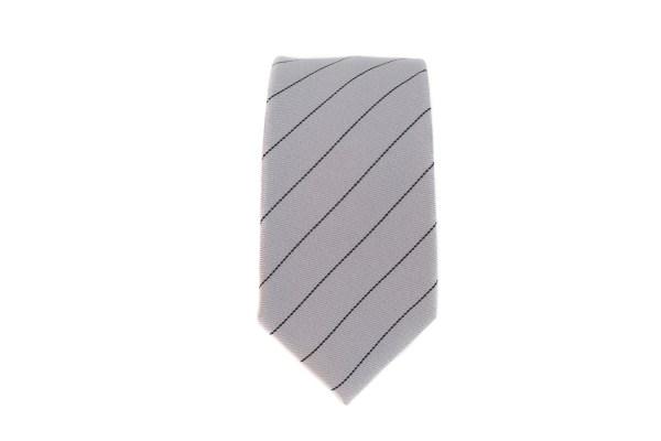 Grijze stropdas met zwarte lijn opdruk.