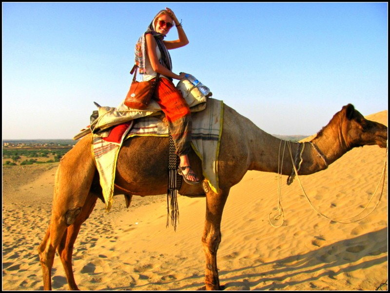 , backpacking india budgetjaisalmer camel safari tips