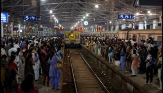 How to book a train in india as foreigner without an indian bank tips for traveling india by train solo fandeluxe Image collections