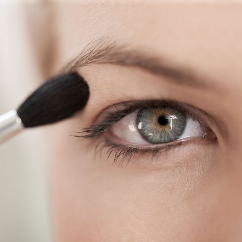 small resolution of make up tricks every person with hooded eyes needs to know