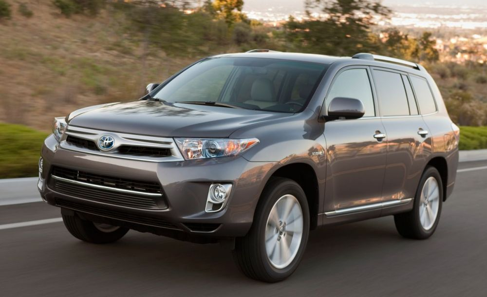 medium resolution of 2014 toyota highlander first drive review car and driver 2015 highlander fuse box