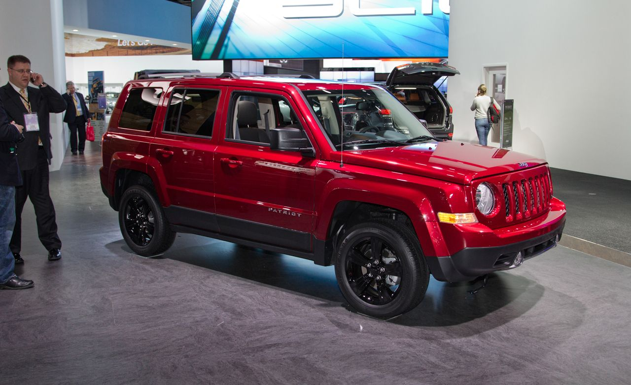 small resolution of 2014 jeep patriot photos and info news car and driver 2007 jeep patriot fuse box 2014