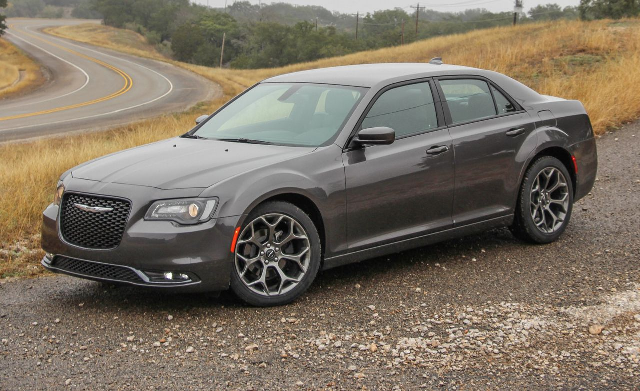 hight resolution of 2015 chrysler 300 v 6 rwd awd first drive 194 172 review car and driver