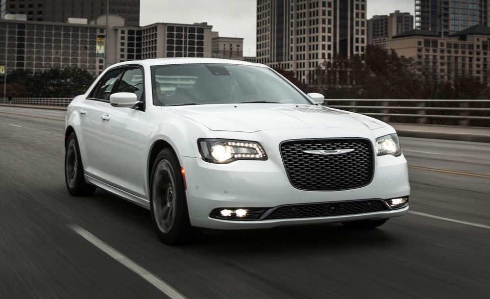medium resolution of chrysler 300 reviews chrysler 300 price photos and specs car and driver