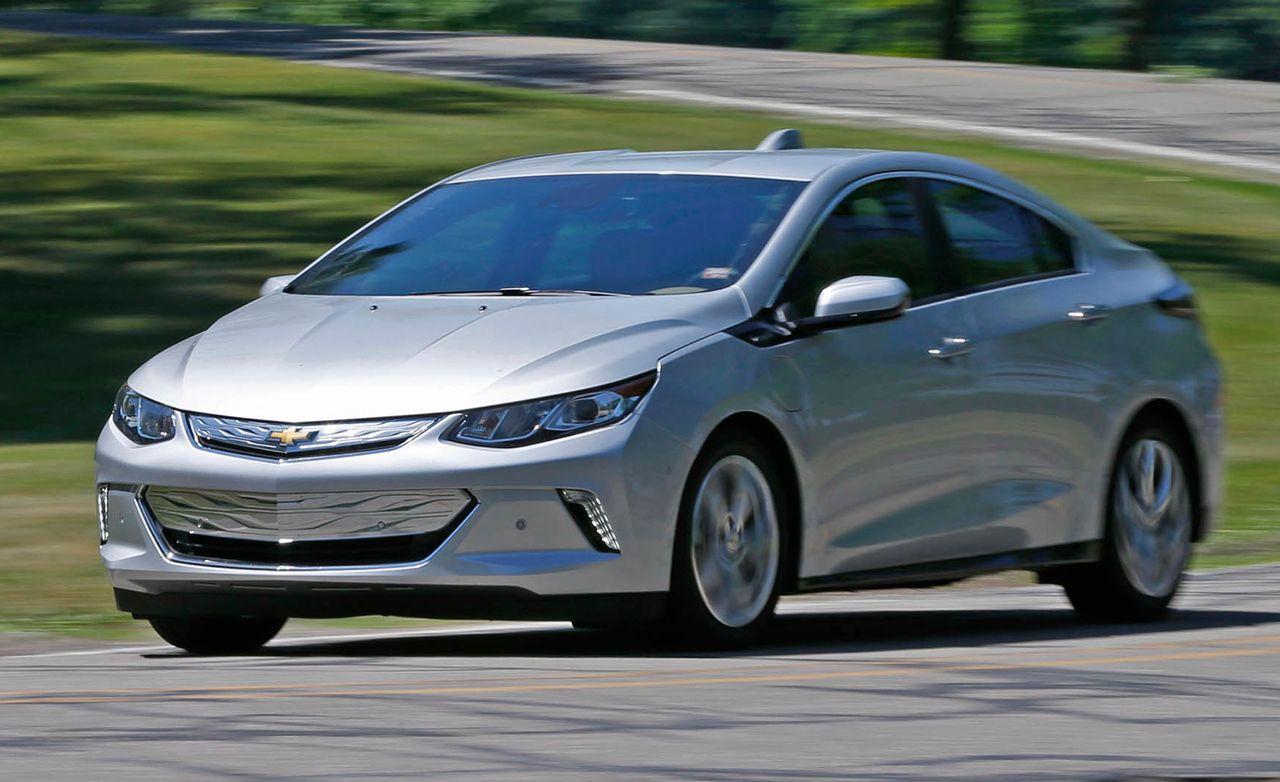 2017 Chevrolet Volt Premier Test Review Car And Driver