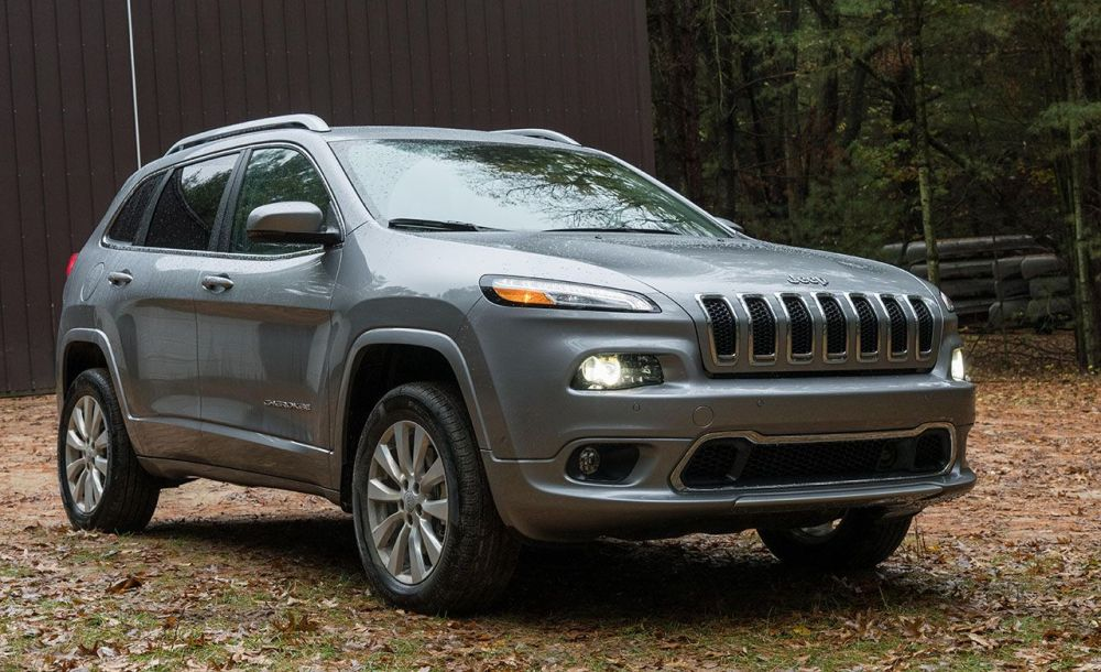 medium resolution of jeep cherokee reviews jeep cherokee price photos and specs car and driver