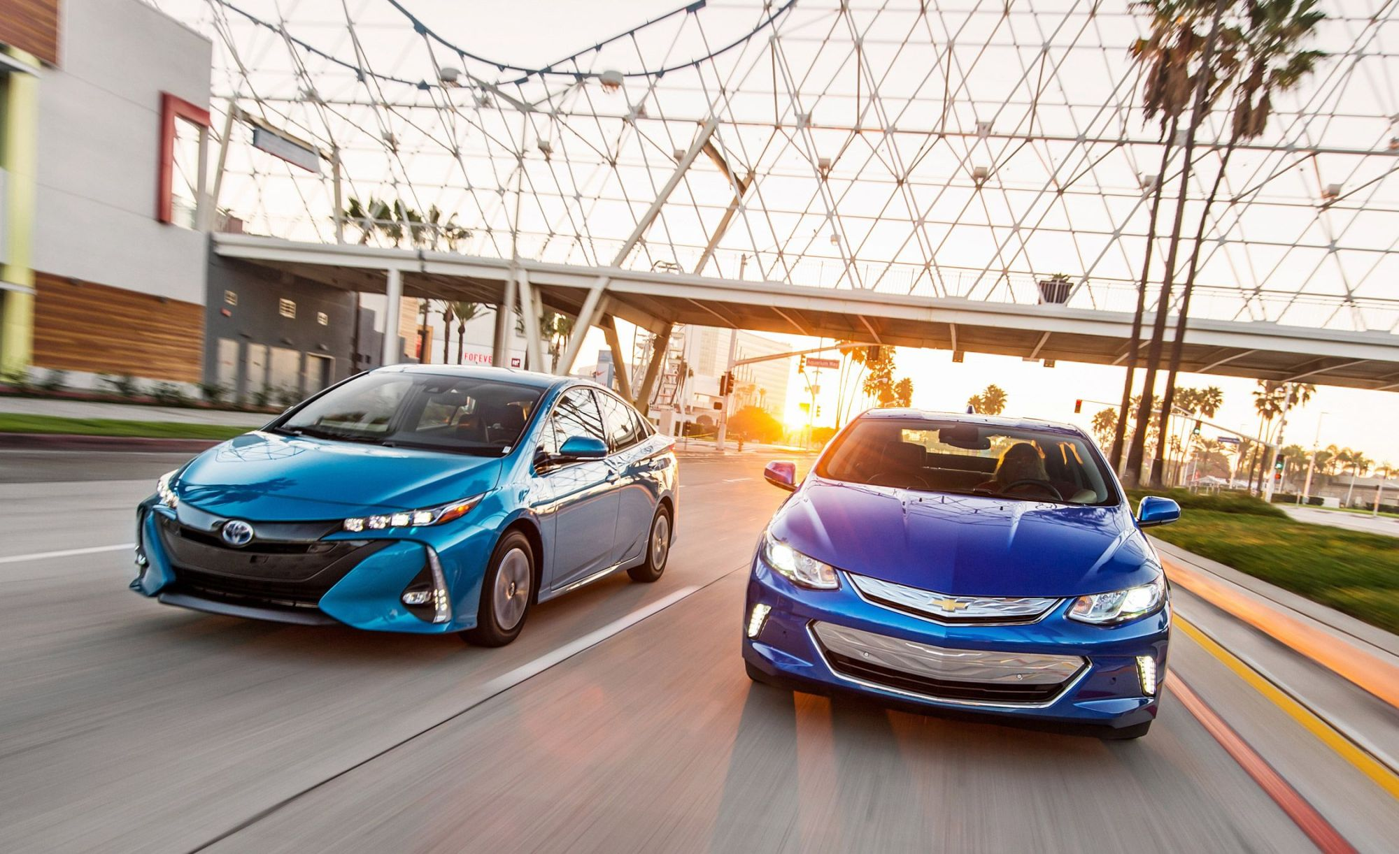 hight resolution of 2017 chevrolet volt premier vs 2017 toyota prius prime advanced comparison test car and driver