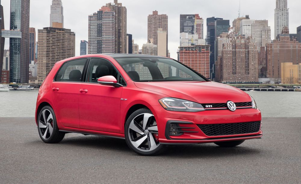 medium resolution of 2018 volkswagen golf gti and golf r photos and info 8211 news 8211 car and driver
