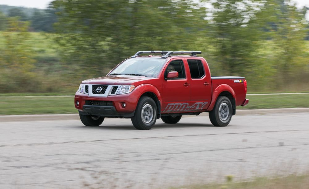 medium resolution of 2017 nissan frontier pro 4x 4x4 crew cab automatic